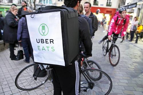 Contre les blocages de leur compte UberEats, les livreurs lyonnais ripostent