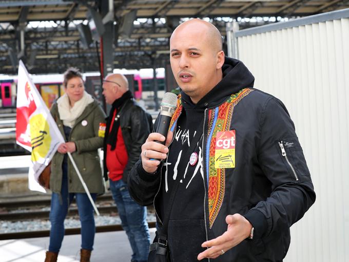 Prise de parole à l'assemblée générale des cheminots de la CGT Paris Est, pour organiser la grève des Cheminots, Paris gare de l'Est, 3 avril 2017