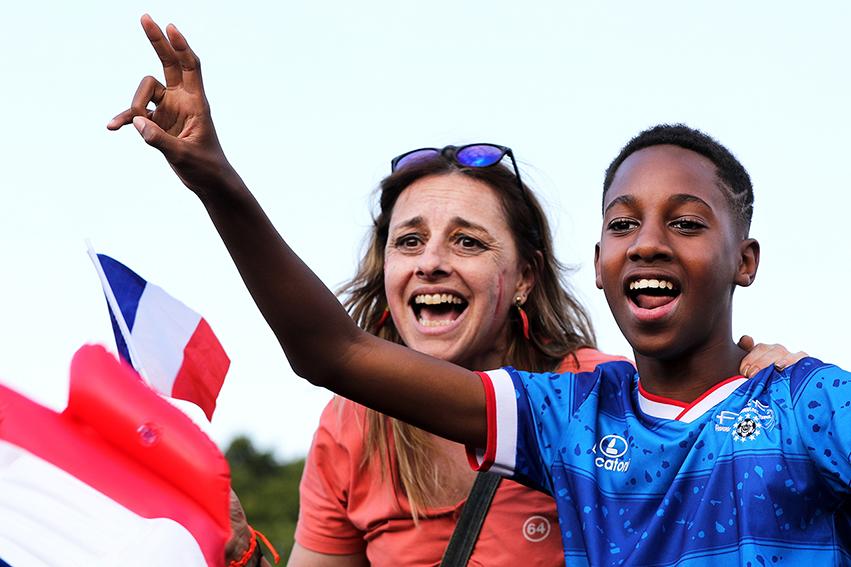 Dans cette épopée sportive, malgré les défauts inhérents à tous les sports, ce sont des millions de françaises et français qui auront su voir dans la sélection nationale, un modèle de fierté personnelle et globale, une source d'inspiration et la démonstration de la force du collectif.