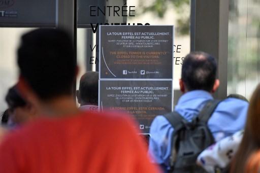 Les salariés de la Tour Eiffel imposent un meilleur accueil des visiteurs
