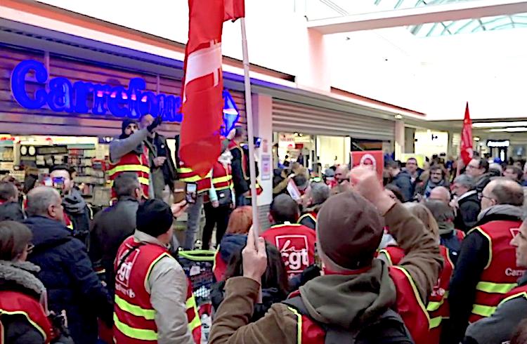 Manifestation de la CGT contre le harcèlement anti-syndical à Carrefour Montreuil