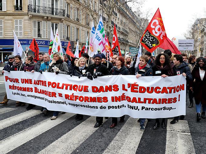 Les stylos rouges de l'éducation nationale manifestaient contre les réformes Blanquer