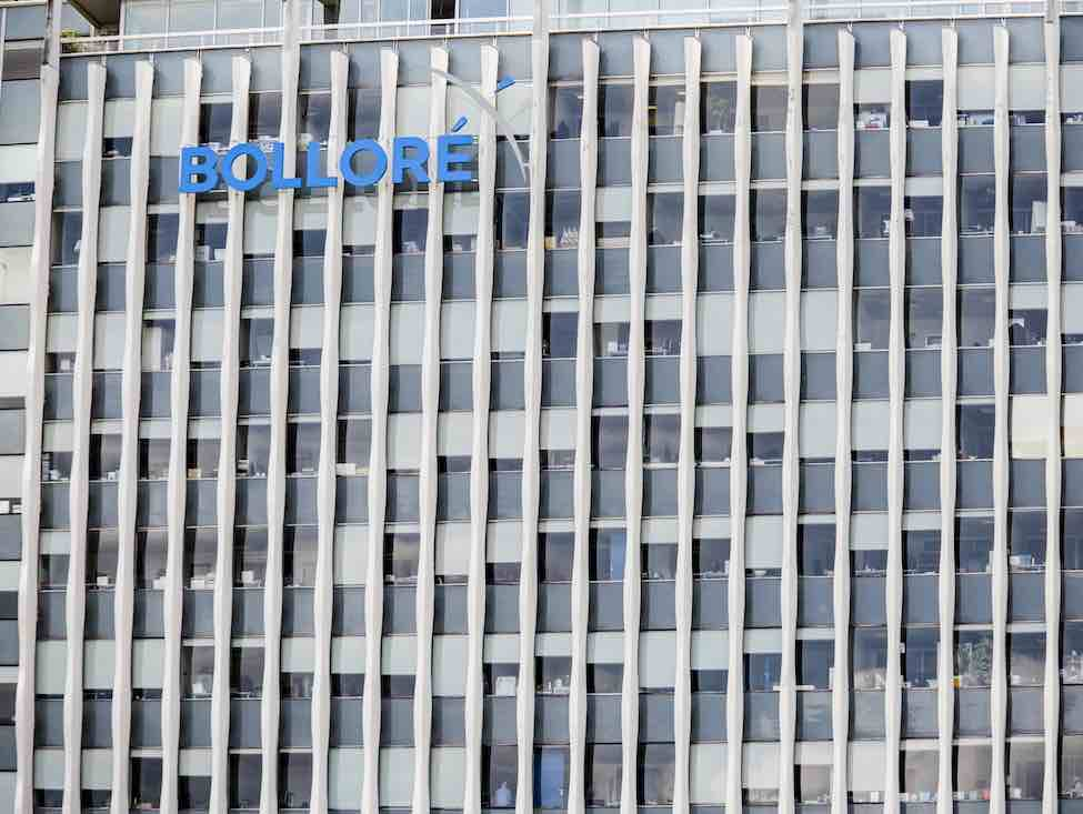 Le gouvernement français cherche-t-il à protéger Bolloré ?