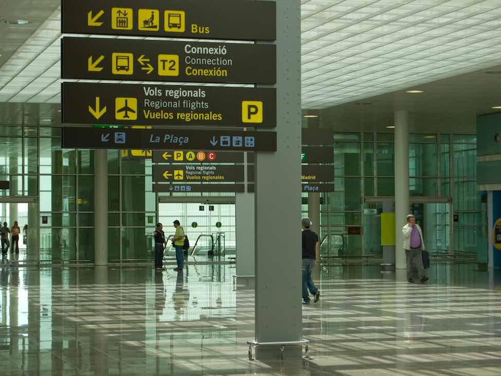La sous-traitance en piste, un essai sur les ouvriers de l'assistance aéroportuaire