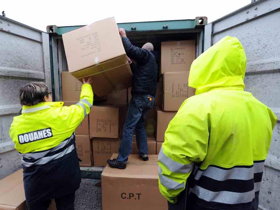 Le ministère joue l'intimidation face aux douaniers en grève du zèle
