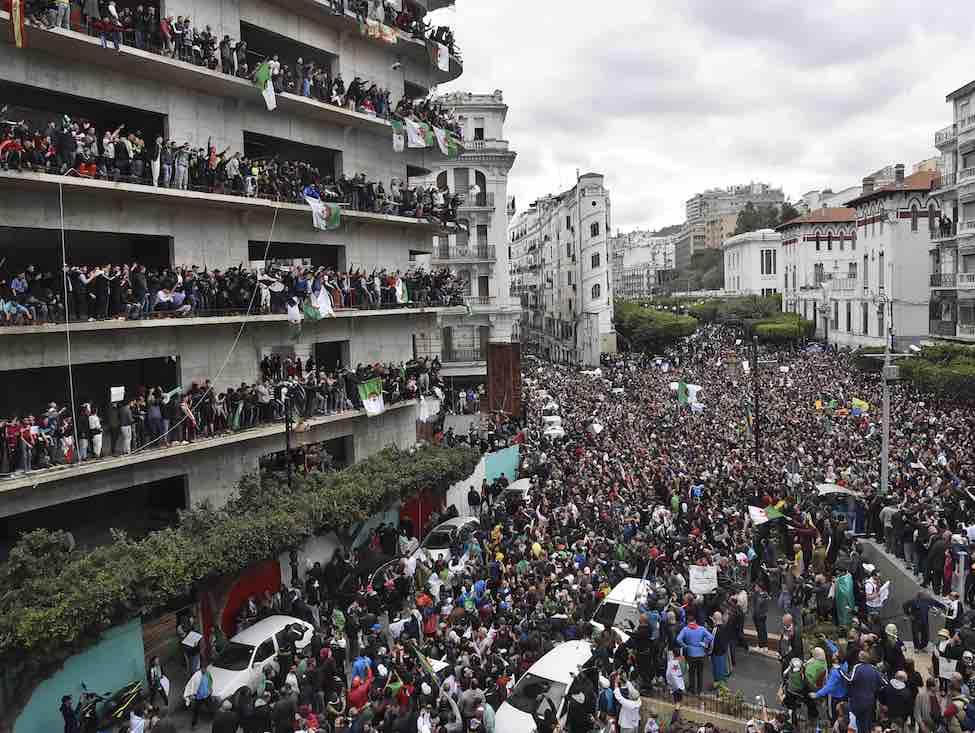 La mobilisation massive contre la candidature de Bouteflika ne faiblit pas