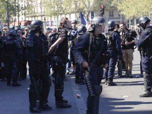 Acte XXIII des Gilets jaunes: la police violente et arrête des journalistes