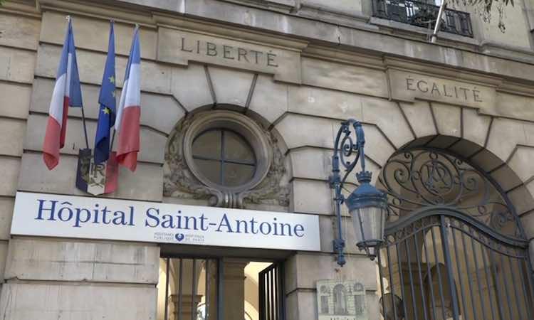 Les urgences de l'hôpital Saint-Antoine à Paris toujours en grève